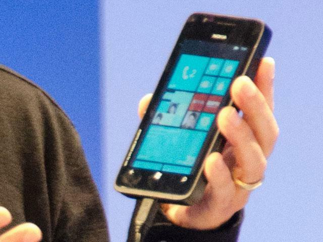 Nokia prototipo con Windows Phone 8 frontal