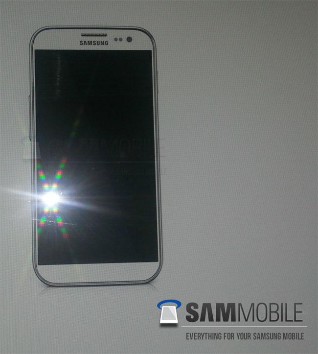 Samsung Galaxy S4 de color blanco