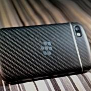 BlackBerry Q10 vista trasera