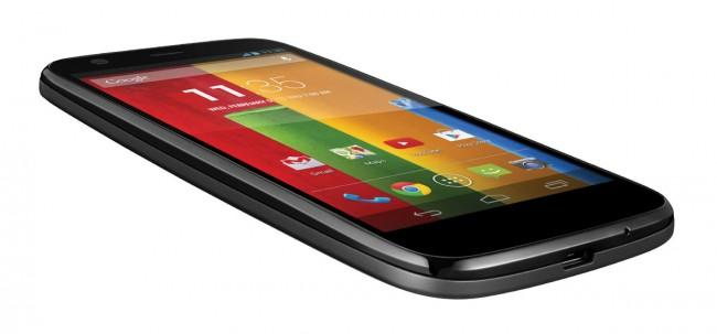 Motorola Moto G en color negro, vista lateral