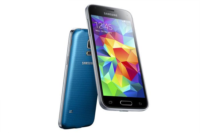 Samsung Galaxy S5 Mini en color azul y negro
