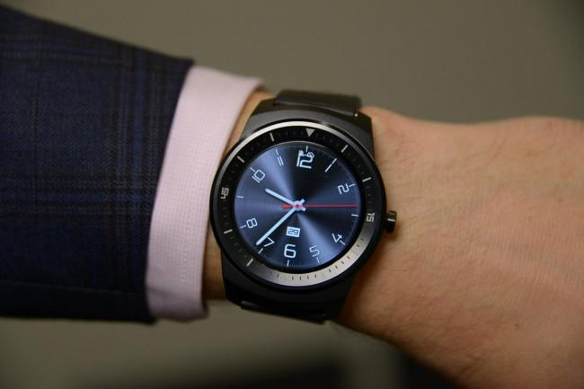 LG G Watch R comparativa precios con Apple Watch.