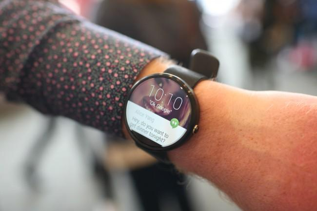 Moto 360 comparativa precios con Apple Watch.