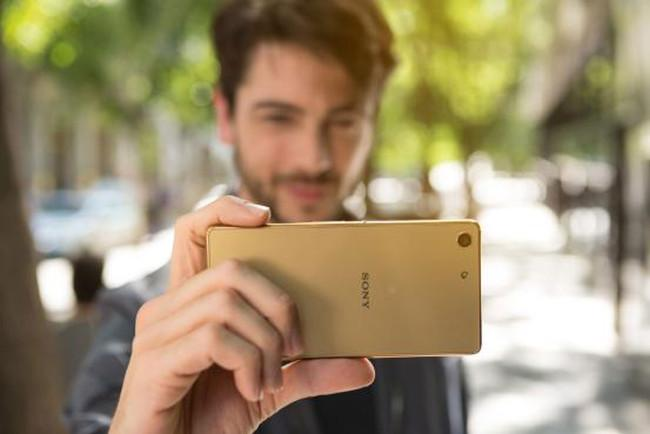 Sony Xperia M5 en color oro