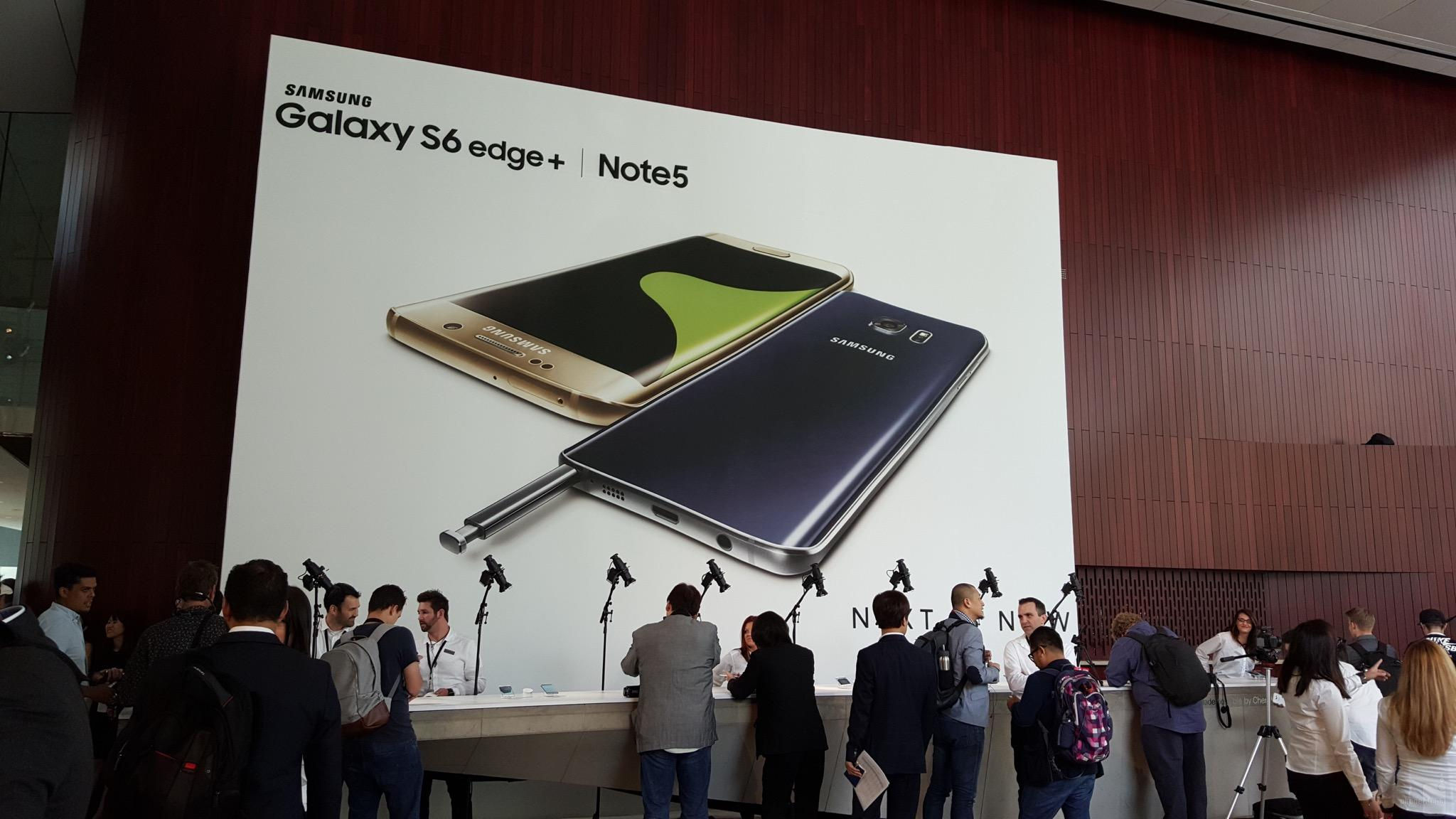 cartel samsung con nuevos Galaxy S6 edge+ y note 5