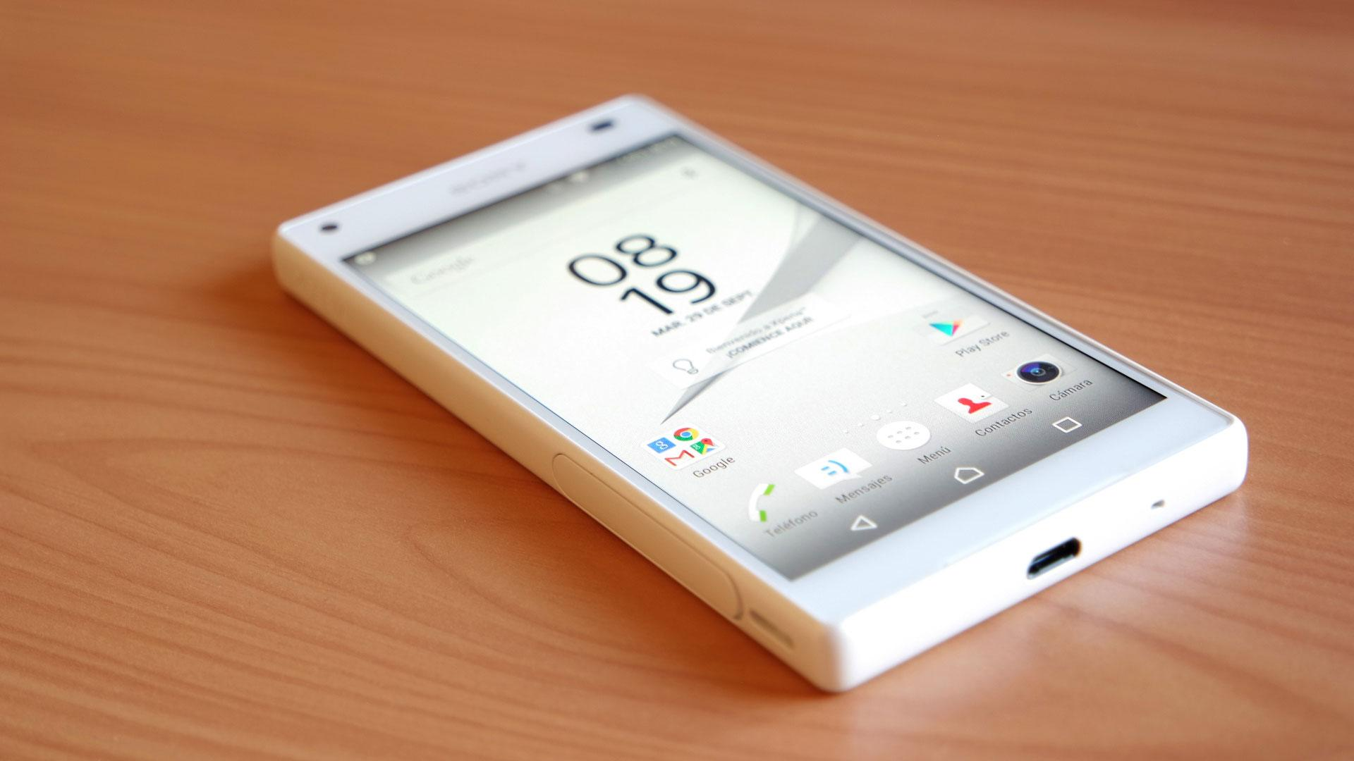 Sony Xperia Z5 Compact en color blanco