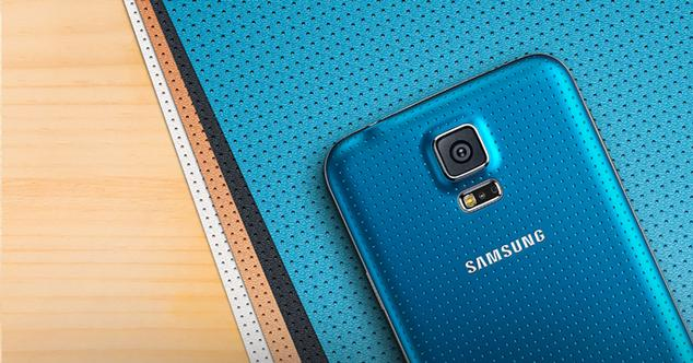 Samsung Galaxy S5 de color azul