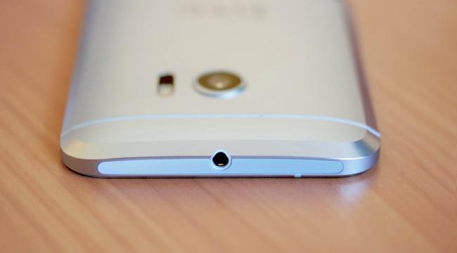 Toma auriculares del HTC 10