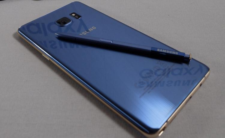 Samsung Galaxy Note 7 de color azul