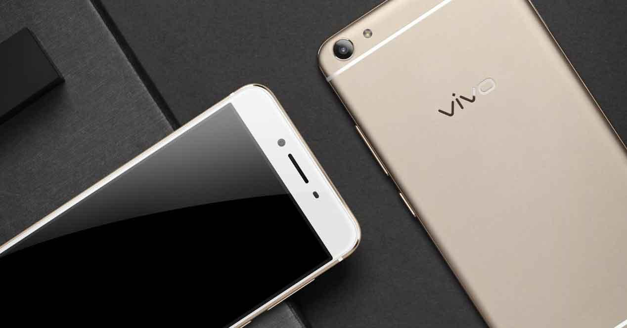 Vivo X7 de color dorado