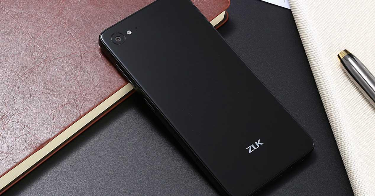 Zuk Z2 de color negro