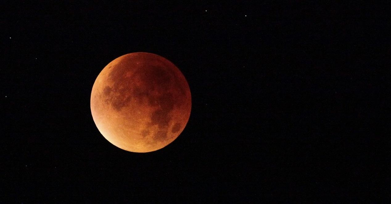 sigue el eclipse lunar del 7 de agosto con estas apps