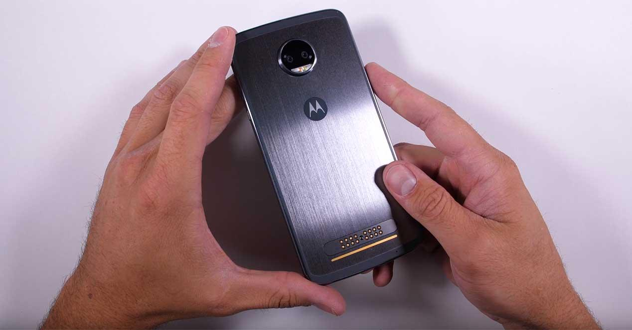 resistencia del Moto Z2 Force Edition
