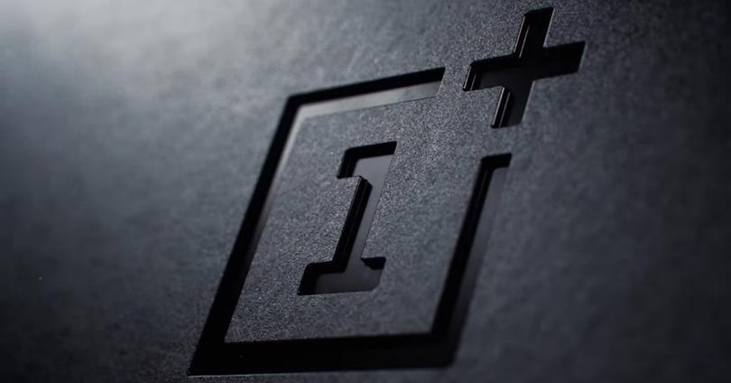 Logotipo de OnePlus en color negro