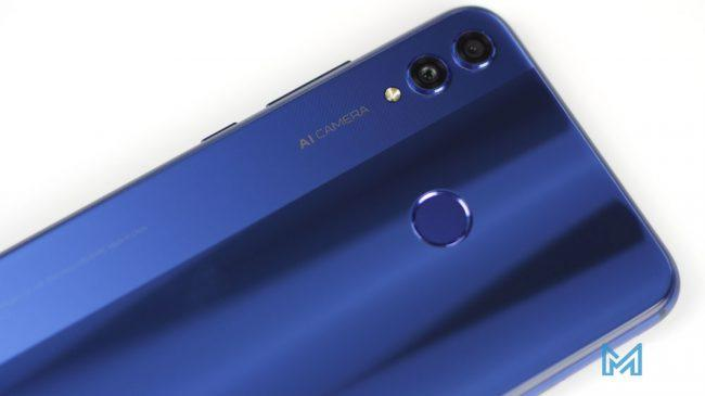 Lector de huellas integrado en el Honor 8X