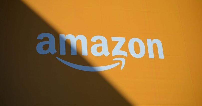 amazon logo fondo naranja