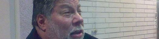 Wozniak esperando para comprar el nuevo iPad
