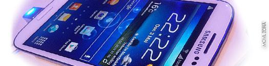 Samsung Galaxy S3 frontal de color blanco