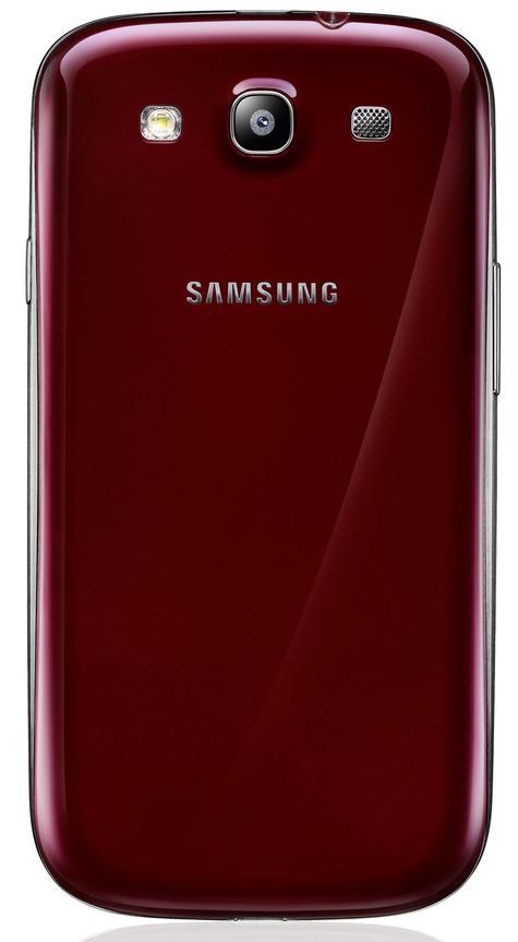 Samsung Galaxy S3 de color rojo, vista trasera