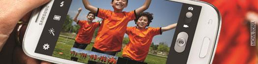 niños con camisera de color naranja en pantalla del samsung galaxy s3