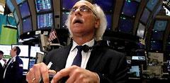 Broker con pelo blanco en Wall Street