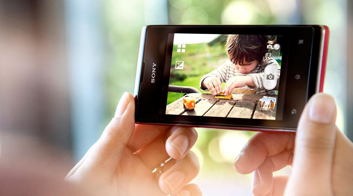 Sony Xperia E negro en modo vídeo