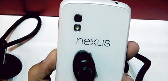 El Nexus 4 blanco se deja ver en un vídeo.