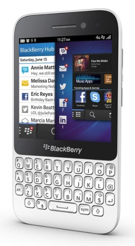 BlackBerry Q5 blanco vista lateral