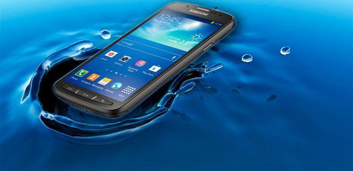 Samsung Galaxy S4 Active en el agua
