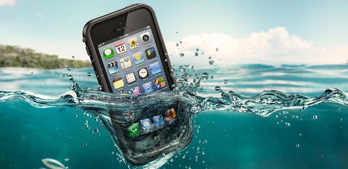 iPhone dentro del agua