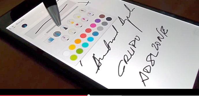 Sony Xperia Z ultra pantalla escribiendo con un bolígrafo
