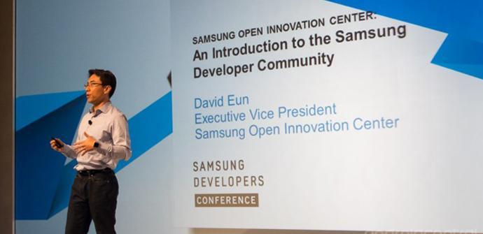 Según el vicepresidente de la compañía Samsung vende 1 millón de dispositivos al año.
