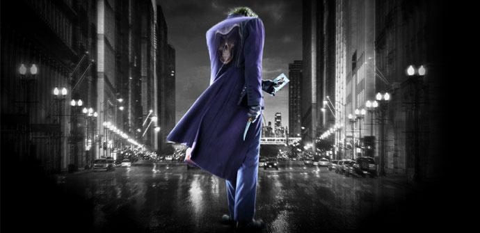 Hombre de azul sobre paisaje urbano negro