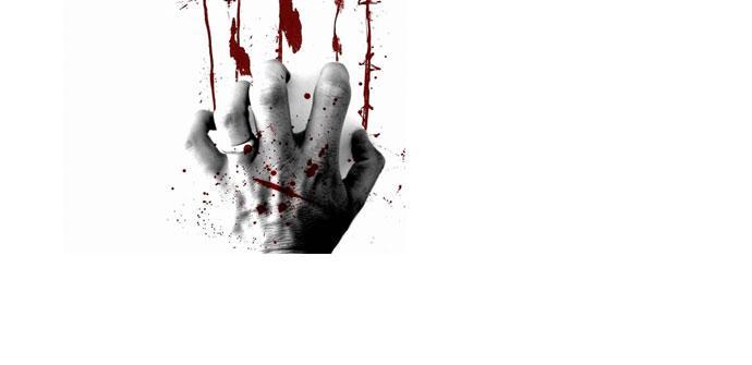 Mano con sangre sobre fondo blanco