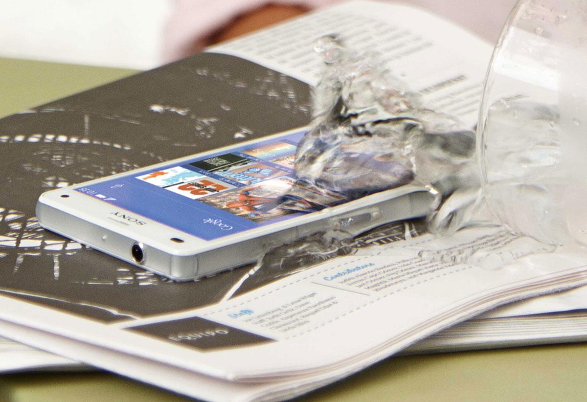 Sony Xperia Z3 Compact con agua