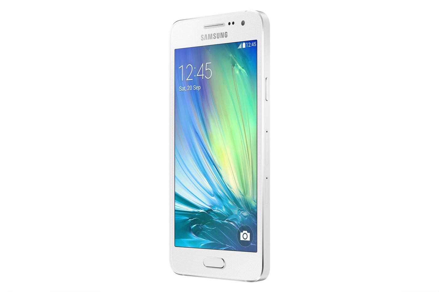 Samsung Galaxy A3 en color blanco vista lateral
