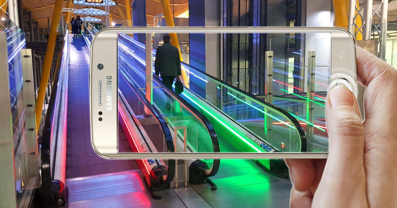 Samsung Galaxy S6 Edge tomando una foto