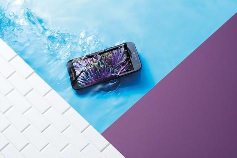 Motorola Moto G Tercera Generación sobre agua