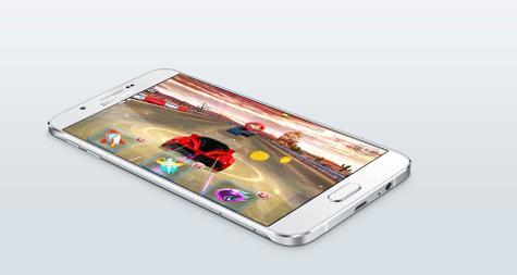 Samsung Galaxy A8 con videojuego