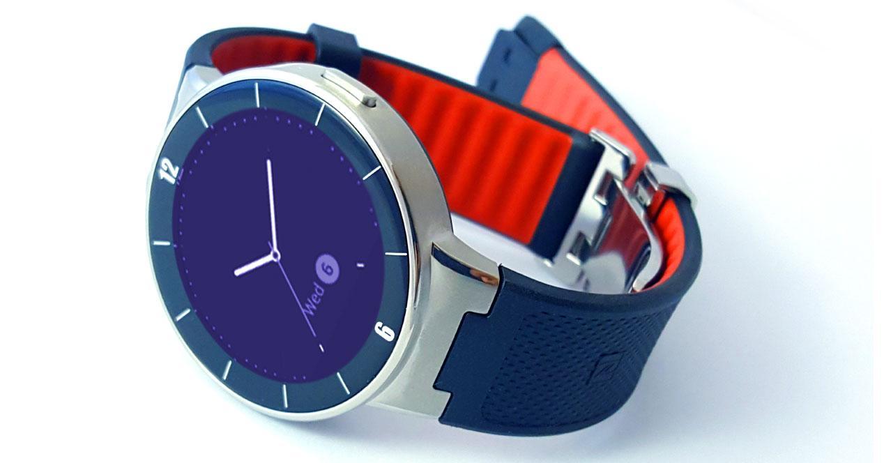 Alcatel Onetouch Watch encendido
