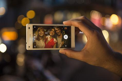 Sony Xperia Z5 Compact con cámara