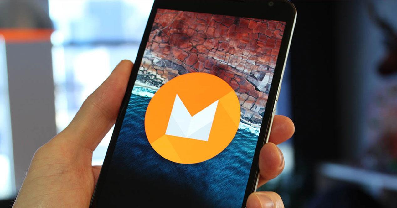 Android 6.0 Marshmallow logo en movil