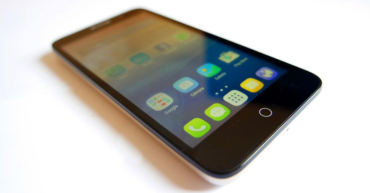Teléfono Alcatel OneTouch Pop 3 (5)