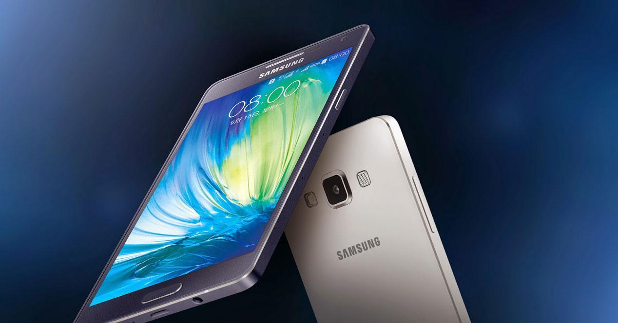 Samsung Galaxy A5 gris y blanco