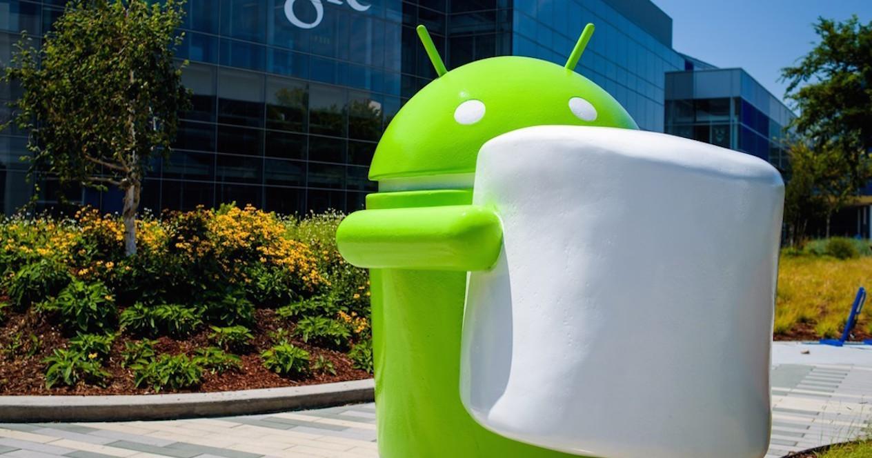 Muñeco Android con Marshmallow