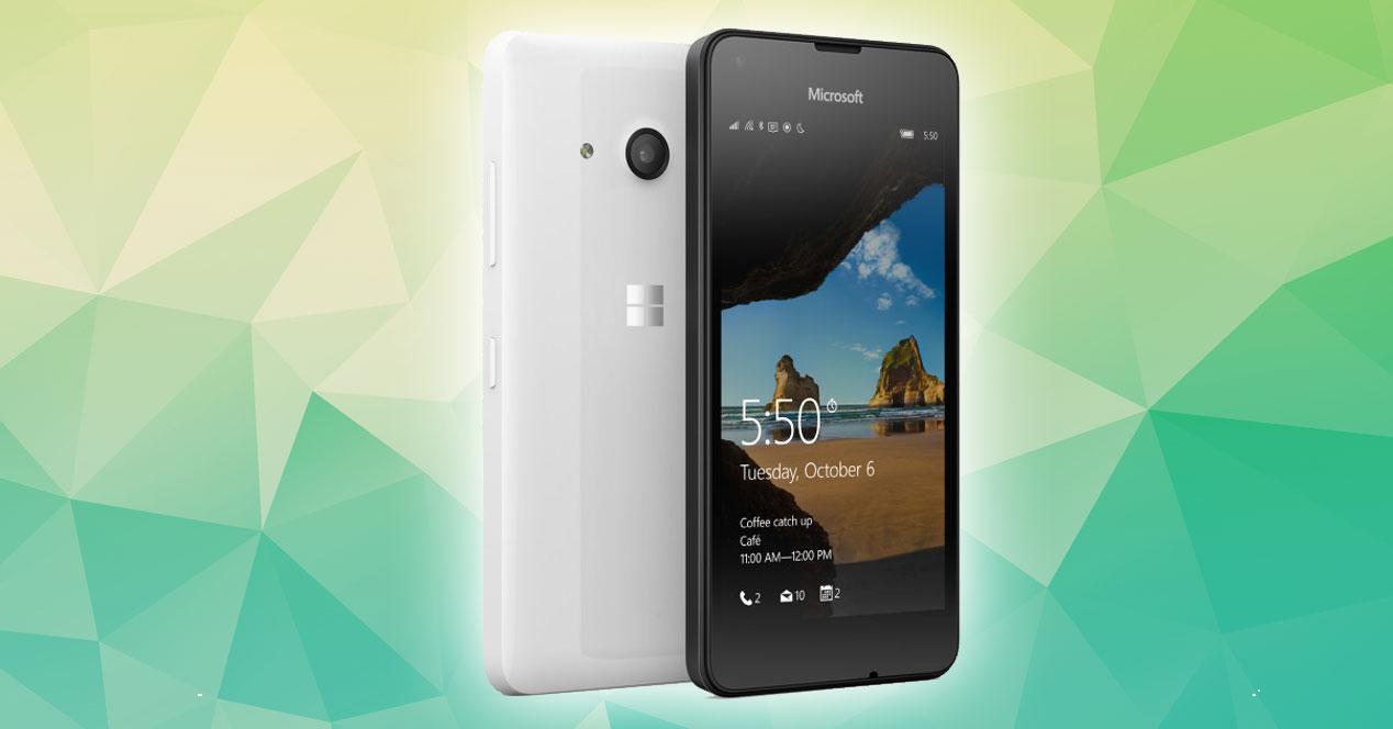 Lumia 550 con fondo verde