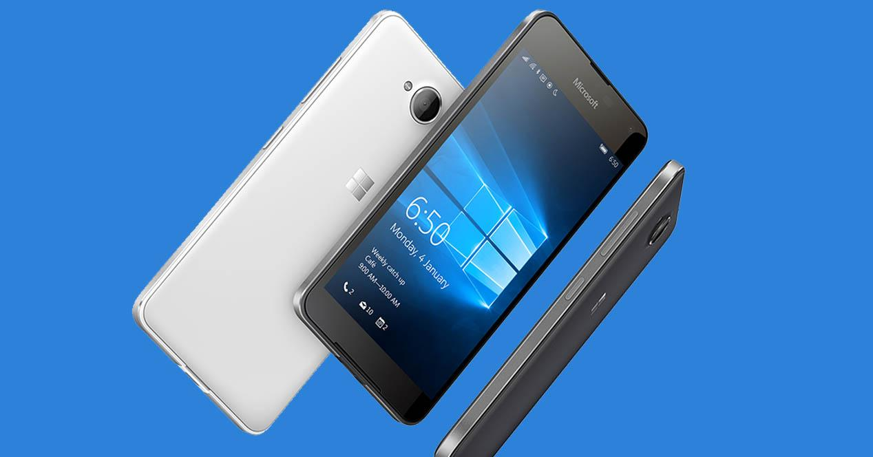 Lumia 650 color blanco y negro
