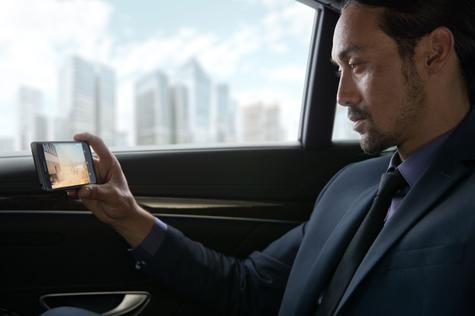 Sony Xperia X Performance usuario en coche