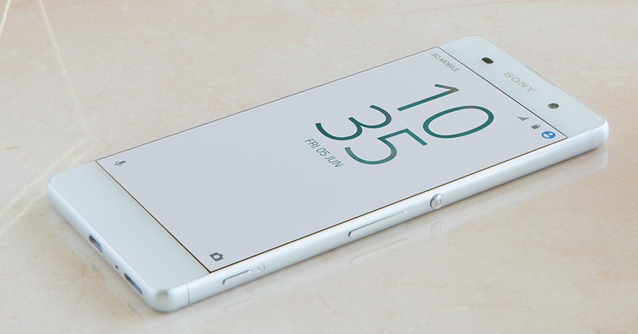 Sony Xperia XA en color blanco