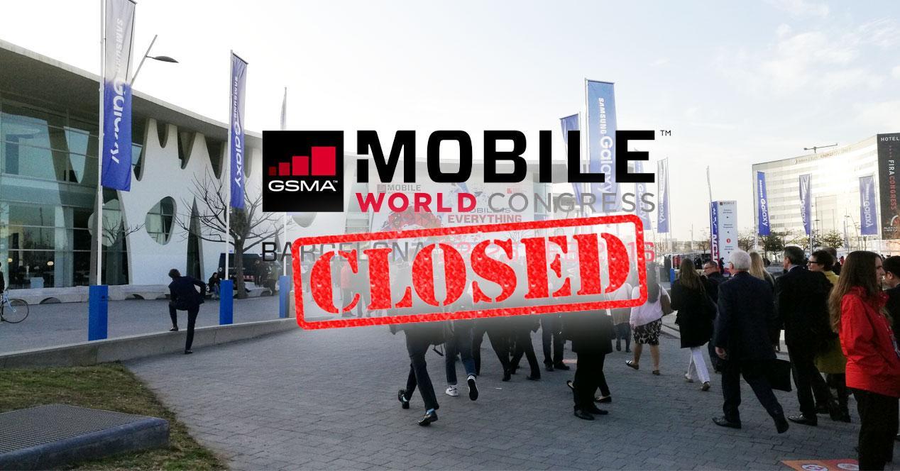 puerta del MWC 2015 con cartel de cerrado